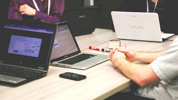 IT-Gehälter 2015: Was Entwickler, Designer und ihre Kollegen