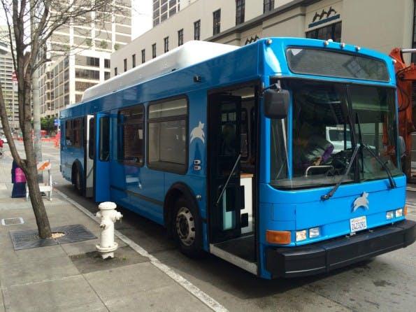 Mit diesen himmelblauen Bussen wollte das Startup Leap frischen Wind in den öffentlichen Nahverkehr von San Francisco bringen. (Foto: t3n)