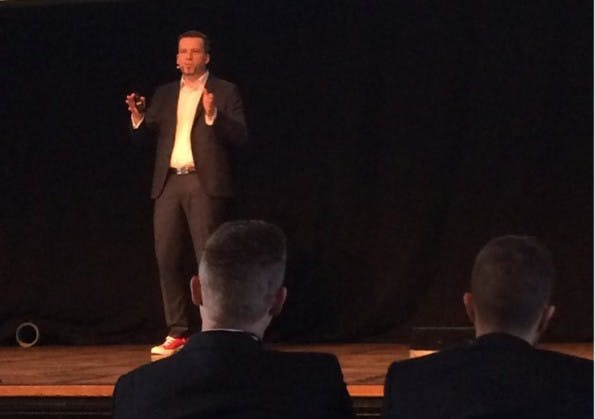 plentymarkets CEO Jan Griesel während der Keynote. (Foto: Twitter/@plentymarketsuk)