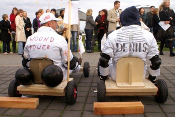 Auch Seifenkisten-Rennen taugen als Teamevent. (Foto: teamgeist.com)