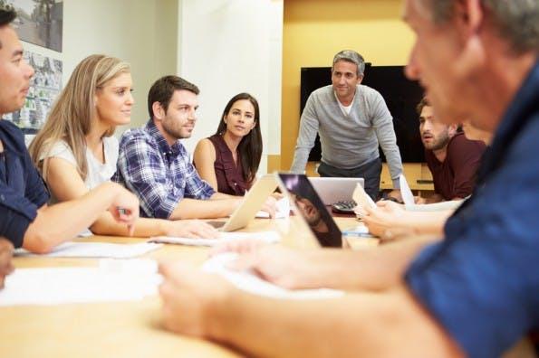 Das Marketing-Team denkt sich tolle Kampagnen aus. Und dann? Kommt die Rechtsabteilung. (Foto: Shutterstock / Monkey Business Images)