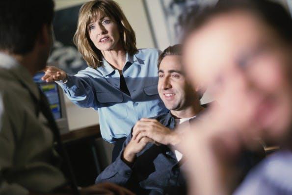 MItarbeiter und Führungskräfte können ein wichtiges Sprachrohr sein. (Foto: Shutterstock / Blend Images)