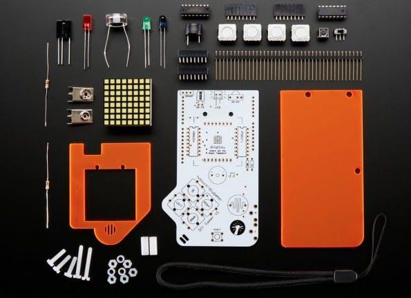 Bis auf den Arduino selbst und die Batterie enthält das DIY-Gamer-Kit alles, was ihr für den Game Boy Marke Eigenbau benötigt. (Screenshot: adafruit.com)