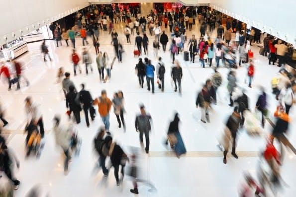 Mehrwehrt bietet eine Chance: Er sorgt dafür, dass ein Unternehmen aus der Masse heraussticht so dass man sich bei Bedarf daran erinnert – so entstehen neue Kunden.