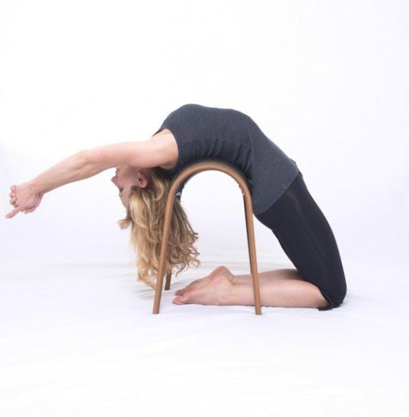 Der smarte Bürostuhl von Zami eignet sich auch für Yoga-Übungen. (Foto: Zami Life)