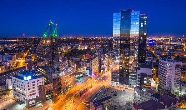 Tallinn, die Hauptstadt von Estland. Im Jahr 2007 wurden binnen weniger Tage zahlreiche Websites von Behörden systematisch lahmgelegt. So kann Cyberkrieg aussehen. (Foto: Shutterstock)