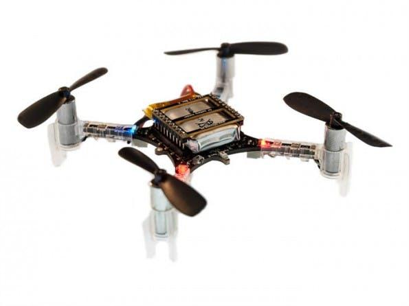 Wer mit Robotern in der Luft einsteigen will, sollte sich den Crazyflie 2.0 ansehen. (Bild: Crazyflie)