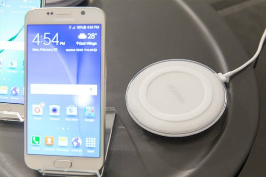 Smartphones noch schneller kabellos laden: Qi-Standard wird besser