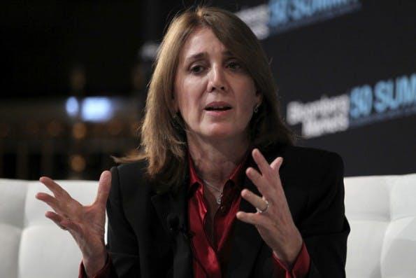 Googles neue Finanz-Chefin Ruth Porat setzt auf eine härtere Sparpolitik. (Foto: Wikipedia / Jin Lee von Bloomberg News – CC BY 1.0)