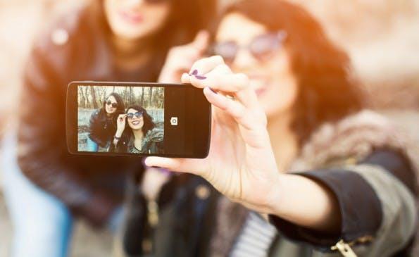 """Die Generation Z sind die wahren Digital Natives. (Foto: <a href=""""http://www.shutterstock.com/gallery-1149425p1.html"""">Shutterstock / Anchiy</a>)"""