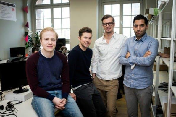 Das Team von GoButler mit Investor Joko Winterscheidt. (Foto: Claudius Pflug/20min.ch)