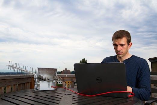 Mit diesem neuen Gerät kannst du dich anonym in öffentliche WLAN einloggen