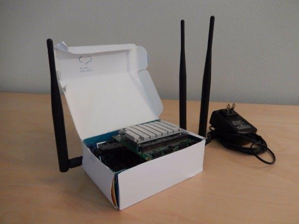 Der Proxyham besitzt drei Antennen und lässt dich anonym im offenen WLAN surfen. (Foto: Benjamin Caudill)