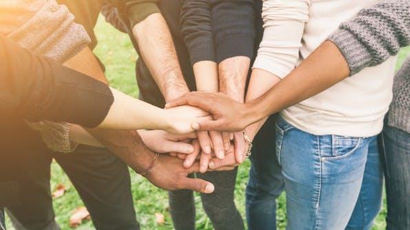 Erfolgreich ist nur, wer das richtige Team um sich versammeln kann. Andernfalls kann die Unternehmensgründung schnell in einem Fiasko enden. (Foto: Shutterstock / William Perugini)