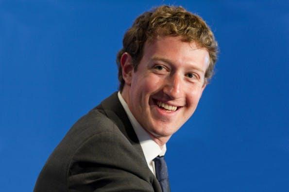 Mark Zuckerberg zahlt lieber Facebook-Mitarbeitern Millionen als Steuern. (Foto: Frederic Legrand - COMEO / Shutterstock.com)