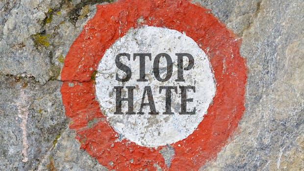 Hate Aid bietet Hilfe für Opfer von Hatespeech im Netz