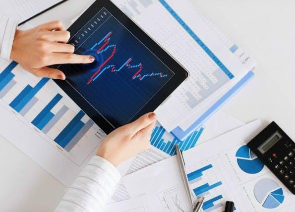 Die App von OnVista lässt den Nutzer den Kurs eines Wertpapiers an unterschiedlichen Börsen vergleichen. (Screenshot: OnVista)