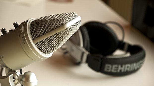 10 neue Podcasts, die du dir anhören solltest