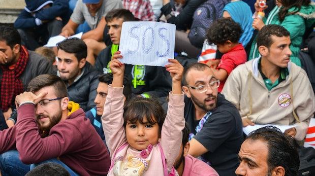 Hackathon für Flüchtlingsprojekte: So kannst du deine Fähigkeiten sinnvoll einbringen