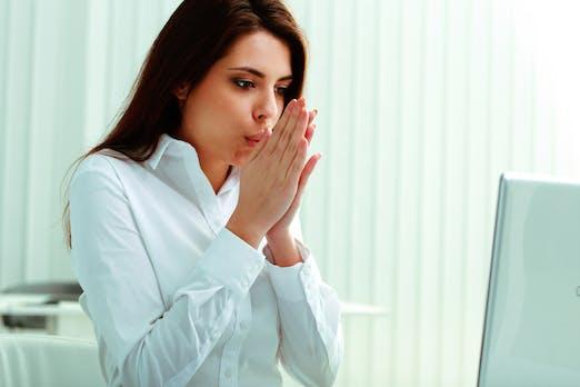 Du frierst ständig im Büro? Das kannst du dagegen tun
