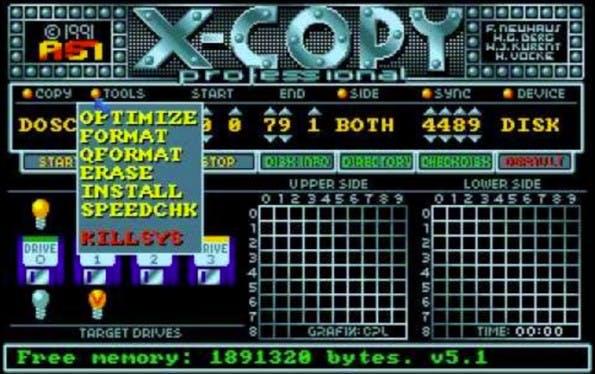 Mittels XCOPY ließen sich schnell große Datenmengen mit allen Nutzerrechten und Dateiattributen auf einen anderen Wechseldatenträger kopieren. (Screenshot: YouTube)