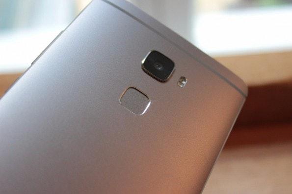 Fingerabdruck-Leser werden auch unter Android allmählich zum Standard. (Bild: t3n)