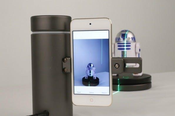 Eora 3D: Für kleine Objekte gibt es einen Bluetooth-Turntable. (Bild: Kickstarter/Eora)