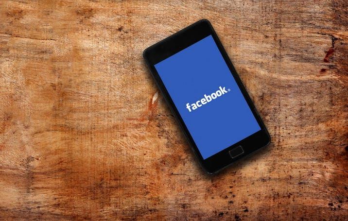 """Facebook weitet Test mit """"Breaking News""""-Label aus"""