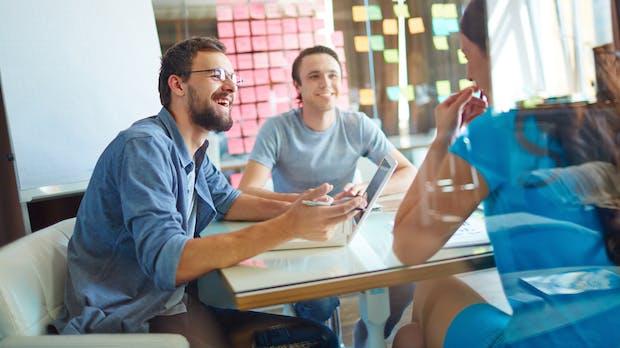 Persönliches Treffen, Telefon oder E-Mail: Der ultimative Guide zur Bürokommunikation