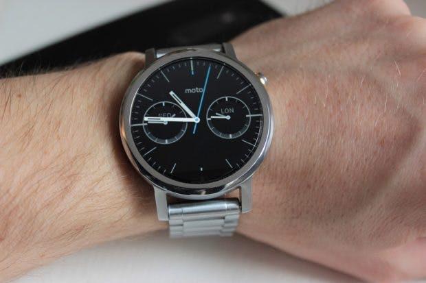 """Googles neue Nexus-Smartwatch """"Angelfisch"""" soll wie die Moto 360 ein rundes Display besitzen. (Foto: t3n)"""