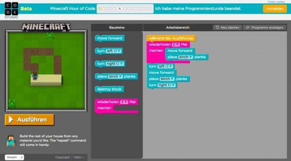 Programmieren lernen mit Minecraft – so sieht die Spieloberfläche aus. (Screenshot: code.org)