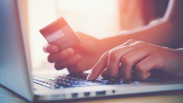 Vorkasse vermeiden, Verstand einschalten: Wie du gefälschte Online-Shops erkennst