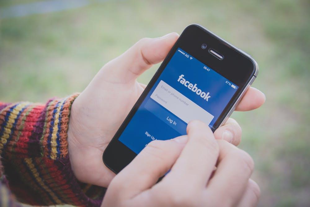 Schnauze voll von Gossip und US-Sports? Plugin lässt dich Trending-Topics auf Facebook in RSS-Feed umwandeln