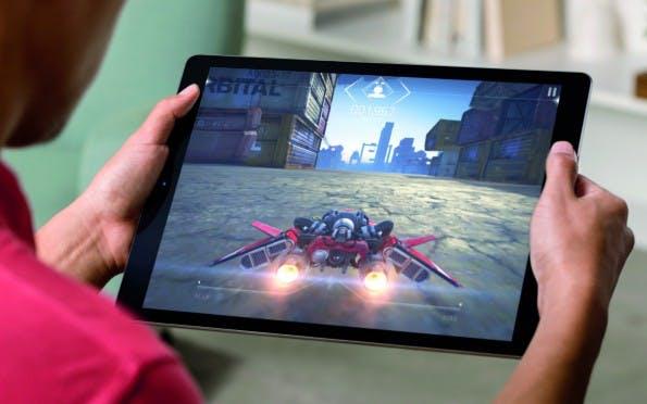 Auch Gamer kommen dank des Displays auf ihre Kosten. (Foto: Apple)