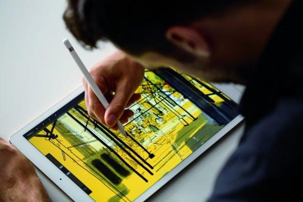 Das Display besticht nicht nur durch seine 12,9 Zoll, sondern auch die Darstellungsqualität. (Foto: Apple)