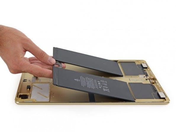 Der Akku des iPad Pro hat eine beachtliche Kapazität. (Foto: iFixit)