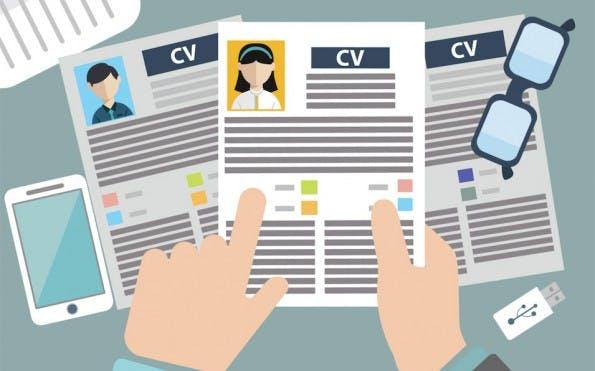 Lücken im Lebenslauf: HR-Manager sind darauf geeicht, sie zu hinterfragen.(Bild:  Shutterstock-Graphicworld)