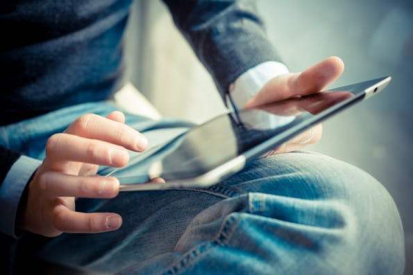 """Auch im laufenden Jahr 2015 haben uns viele Themen im Internet beschäftig. """"Das Netz"""" von iRights.info blickt zurück. (Foto: Shutterstock-Eugenio Marongiu)"""