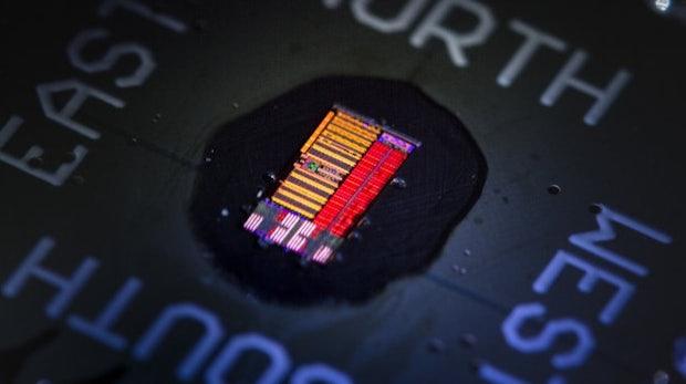 Wissenschaftlicher Durchbruch: Dieser Prozessor setzt auf Licht statt auf Elektrizität