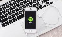 Spotify im Podcast-Fieber: 2 große Übernahmen