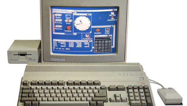 Der Amiga 500 ist der meistverkaufte Amiga-Computer von Commodore. Er wurde 1987 auf der CeBit vorgestellt. (Bild: Wikipedia)