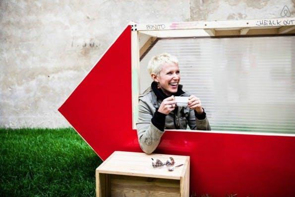 Das 1SQM-House lässt sich mobil überall in Berlin aufstellen. (Foto: Airbnb)
