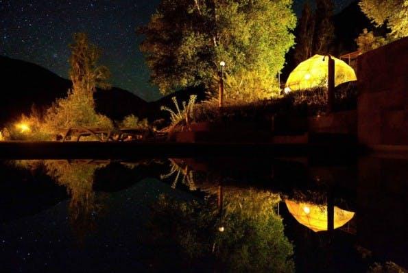 Diese Unterkunft in Chile ist komplett auf Sternenbeobachtung abgestimmt. (Foto: Airbnb)
