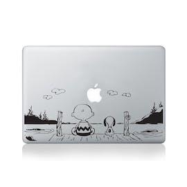 Charlie Brown und Snoopy am Steg. (Bild: Amazon