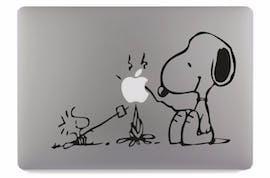 "Snoopy mit ""Bratapfel"". (Bild: Amazon)"