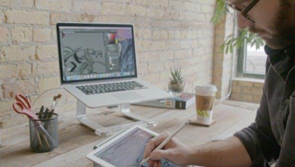 Mit Apps wie Astropad lässt sich der Design-Workflow besonders unterwegs verbessern, denn die App macht das iPad zu einem voll funktionstüchtigen Grafiktablett. (Bild: Astropad)