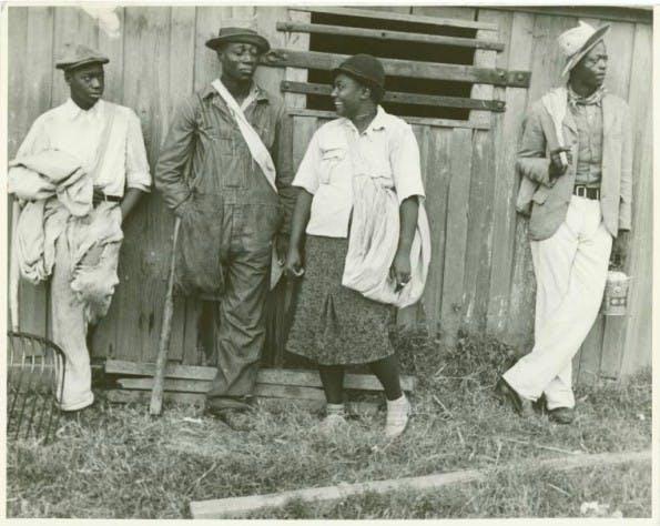 Gratis-Bilder: Baumwollpflücker in Arkansas. (Foto: Ben Shahn/The New York Public Library)
