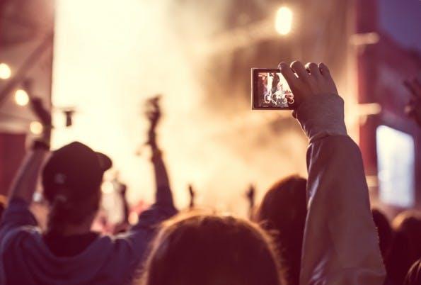 Livestreaming gilt als einer der wichtigsten Trends für 2016. (Bild: Shutterstock