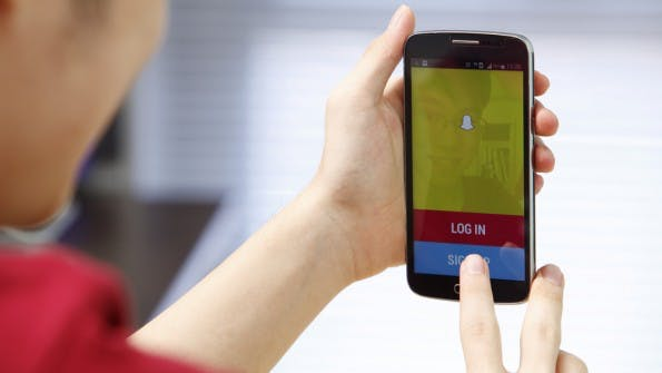 Snapchat-Nutzer sollen bald Medienkanäle abonnieren können. (Foto: focal point / Shutterstock.com)