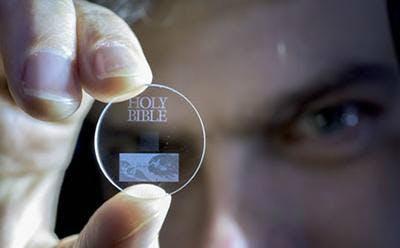 5D-Daten-Speicher für die Ewigkeit. (Foto: Uni Southampton)